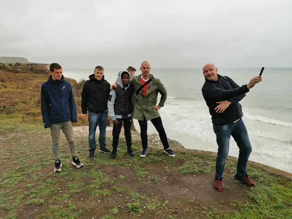 Tid til gruppe-foto ved Le Cap Blanc Nez området