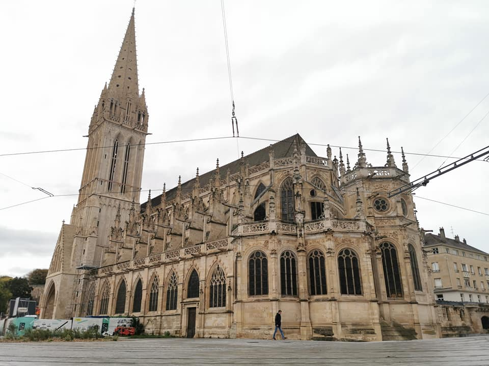 Saint-Pierre-kirken i Caen