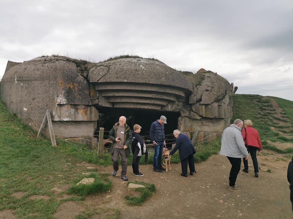 En ødelagt bunker ved Longues-sur-Mer