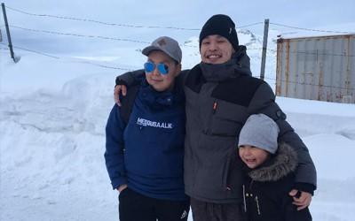 På hjemrejse-besøg i Grønland